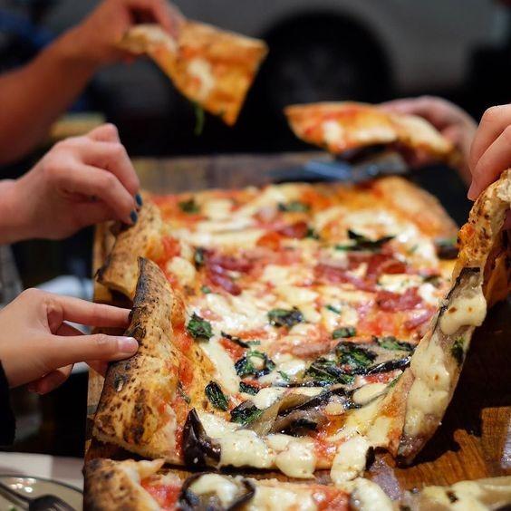 LL Concept-Pizza au mètre